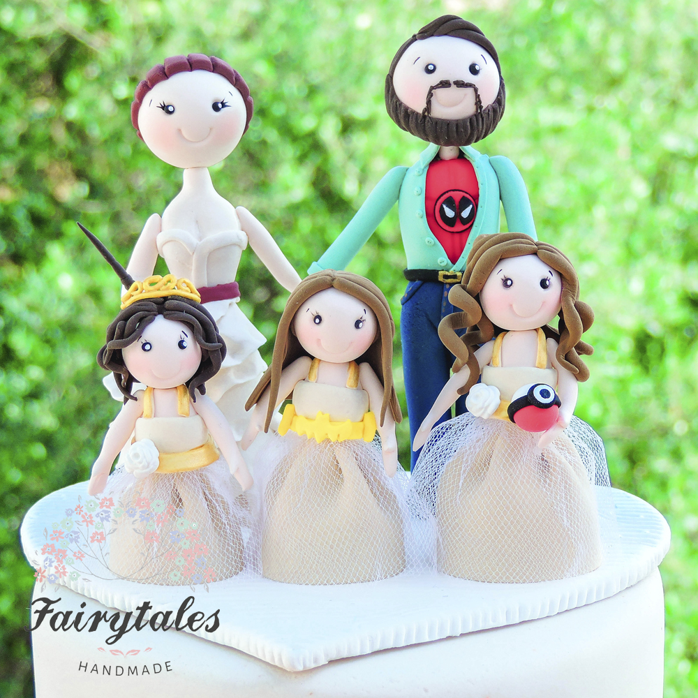 Family Picture Ideas For Wedding: Family Wedding Cake Topper